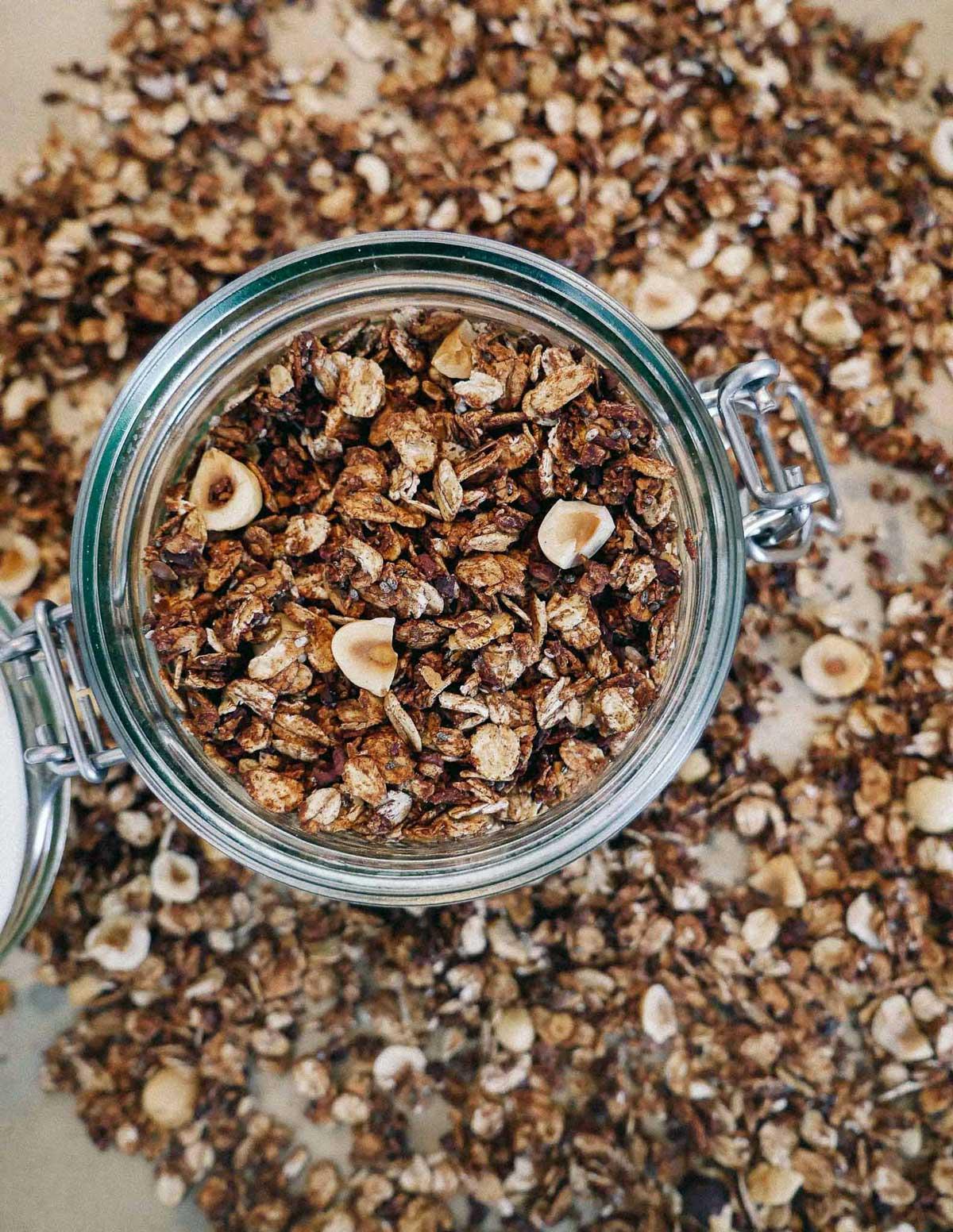 granola med chokolade opskrift