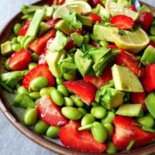 salat-jordbaer-avocado-sommer