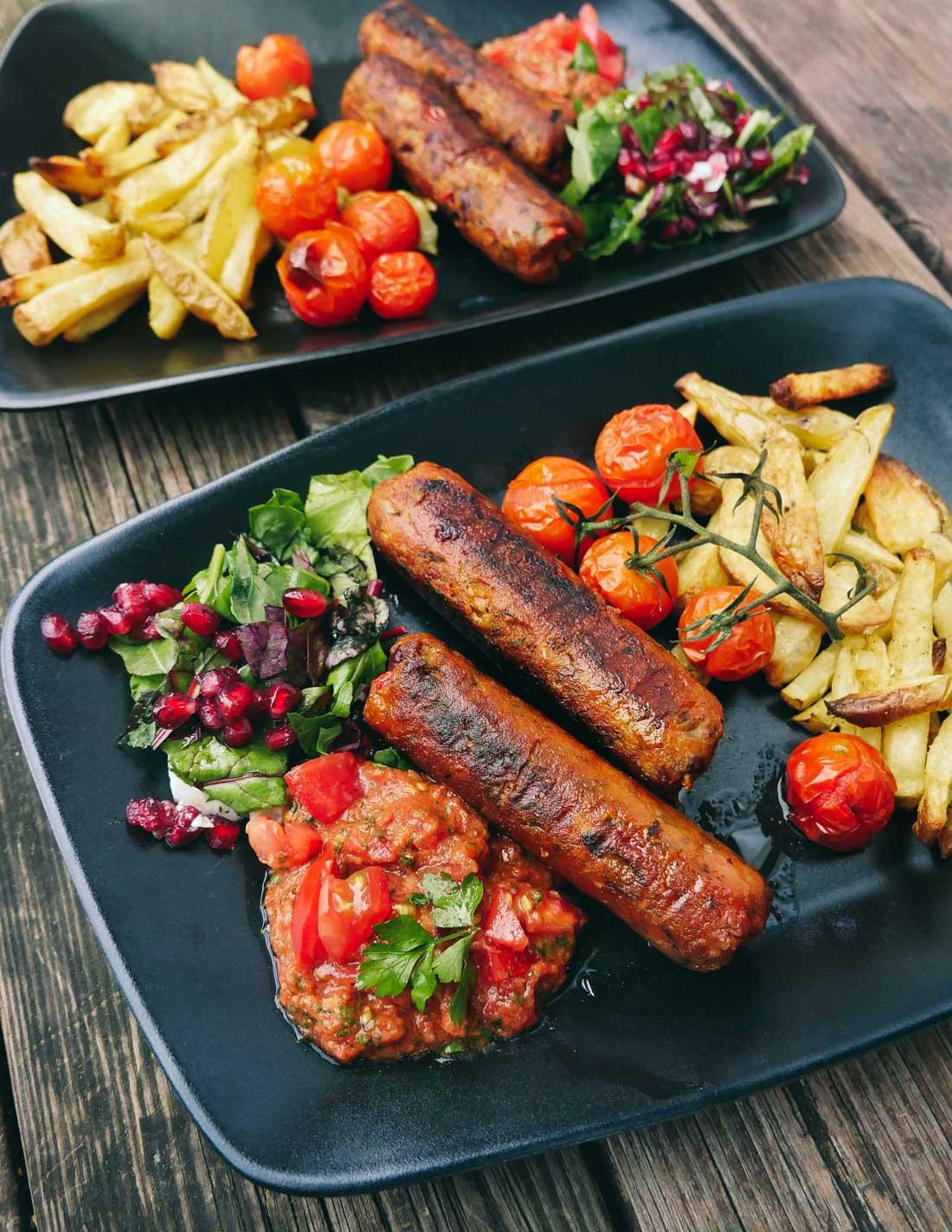 Veganske pølser af grøntsager og bønner
