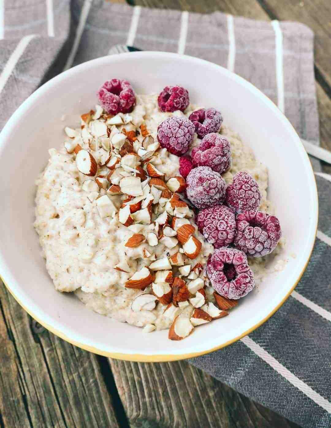 almond porridge raspberries