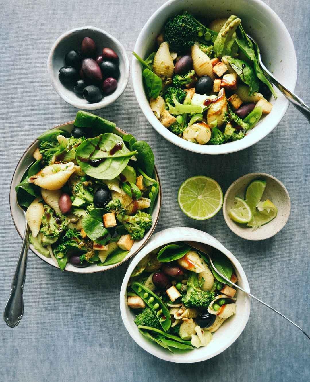 sund grøn pastasalat vegetar