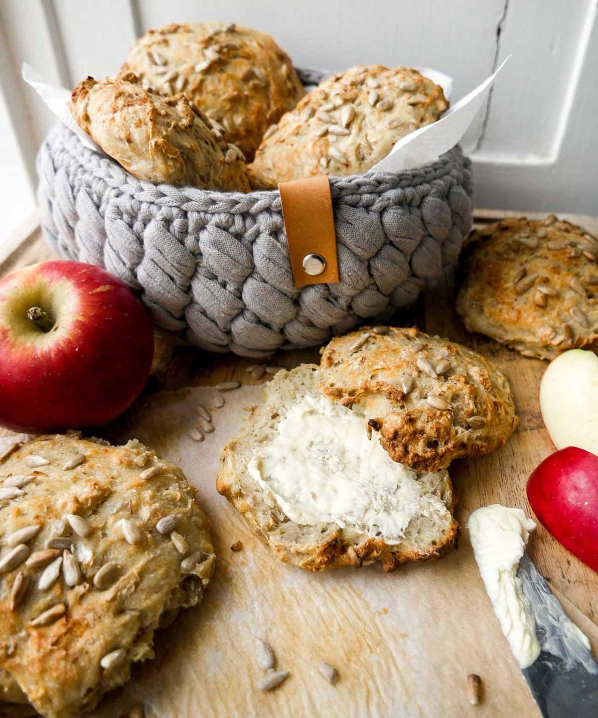æbleboller med kanel