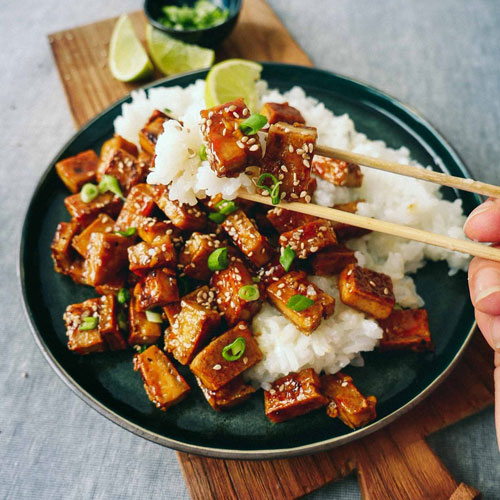 stegt tofu med ris vegansk aftensmad
