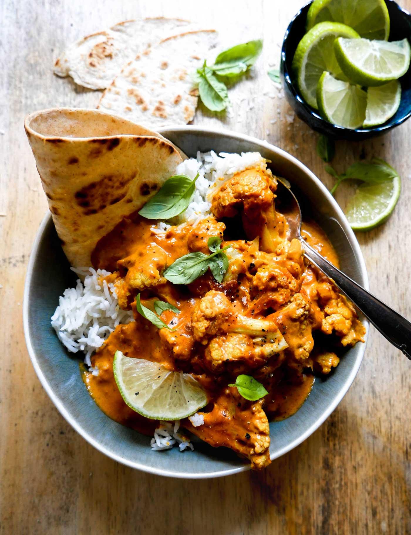 curry med blomkål og ris