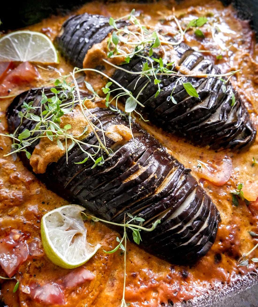 hasselback aubergine i fad