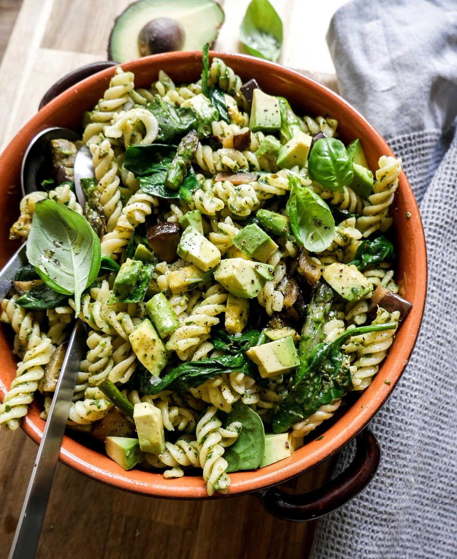 pastasalat med asparges vegansk opskrift