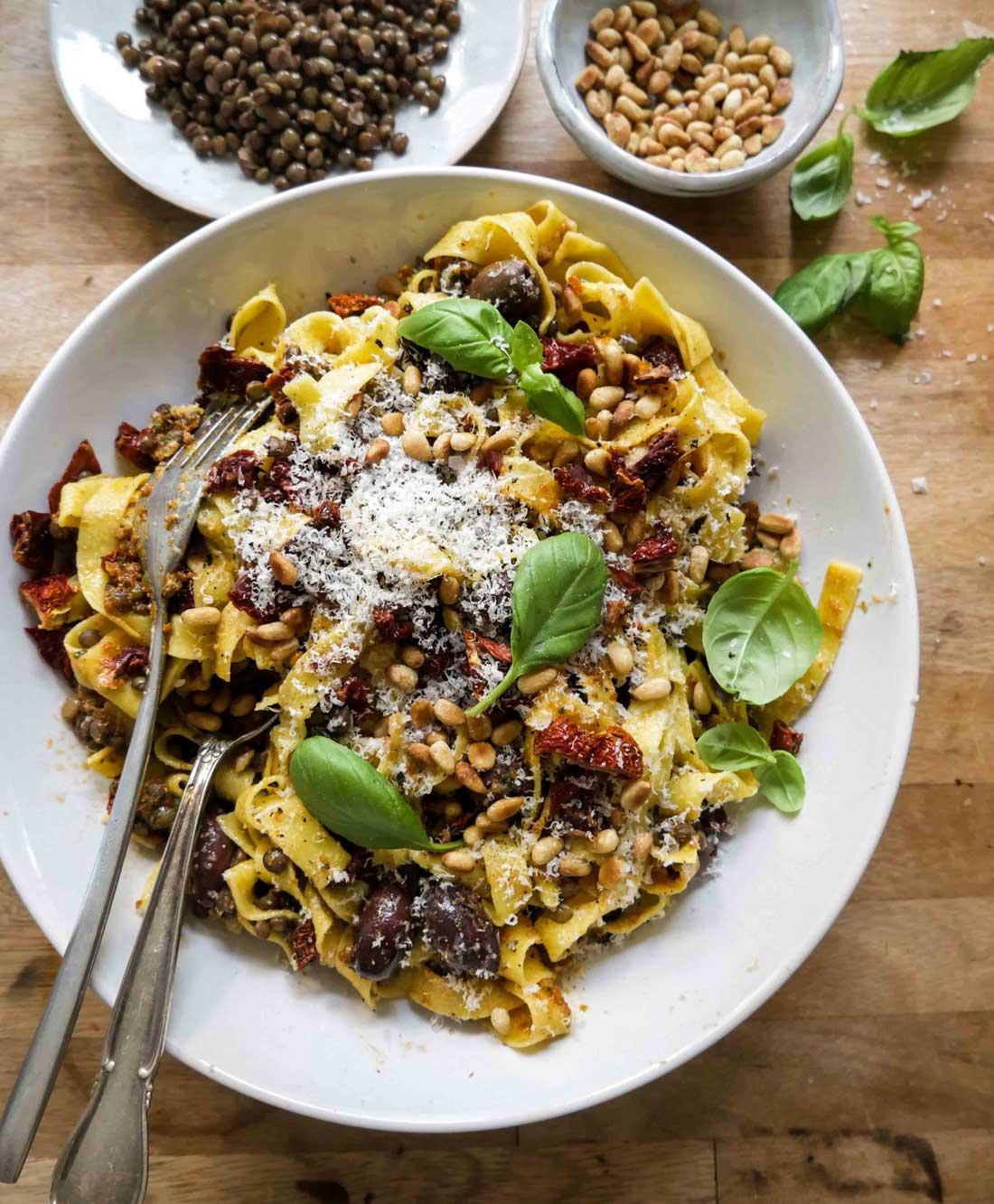 opskrift på pasta med linser en nem aftensmad