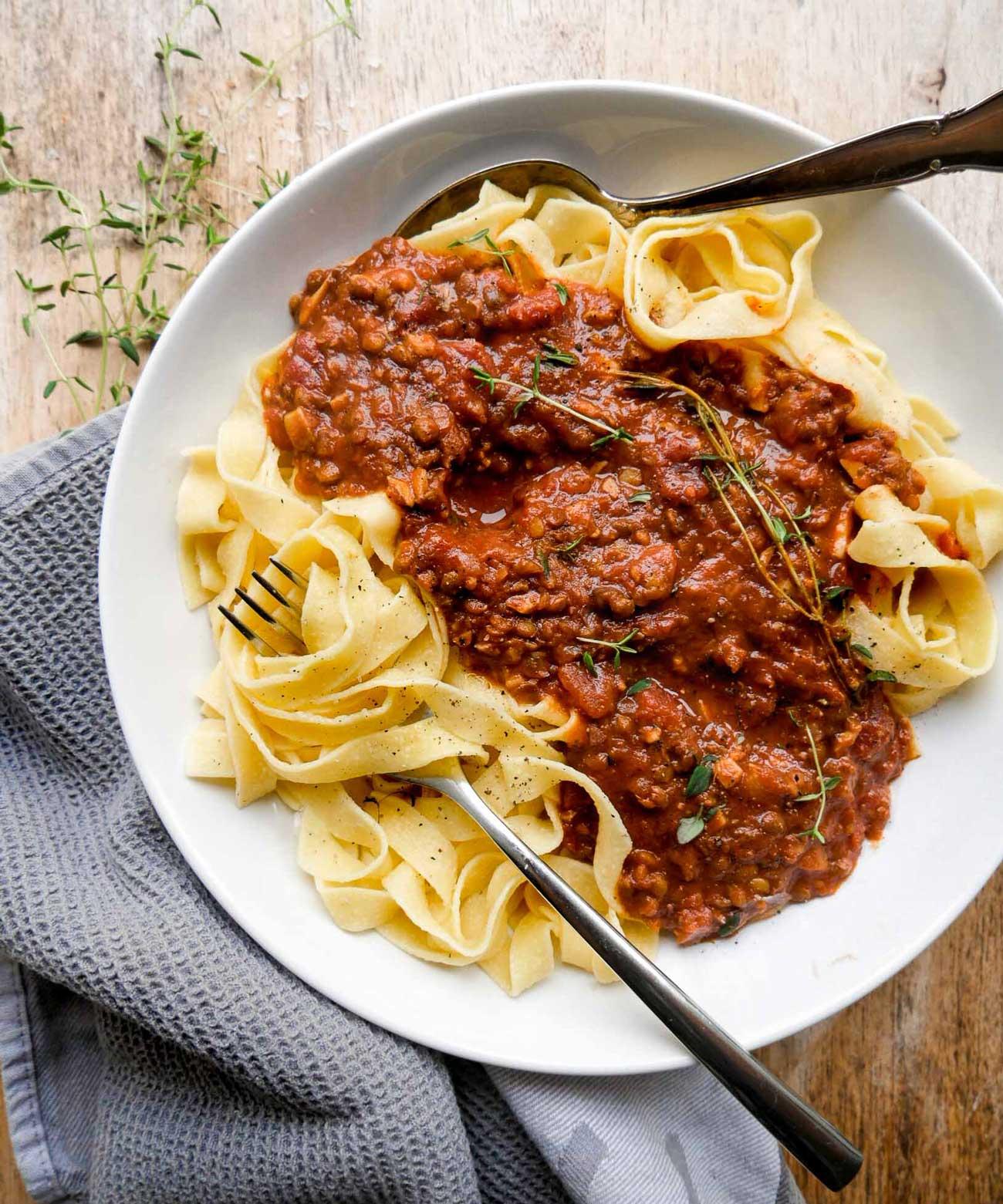 vegansk bolognese med kødsovs af linser