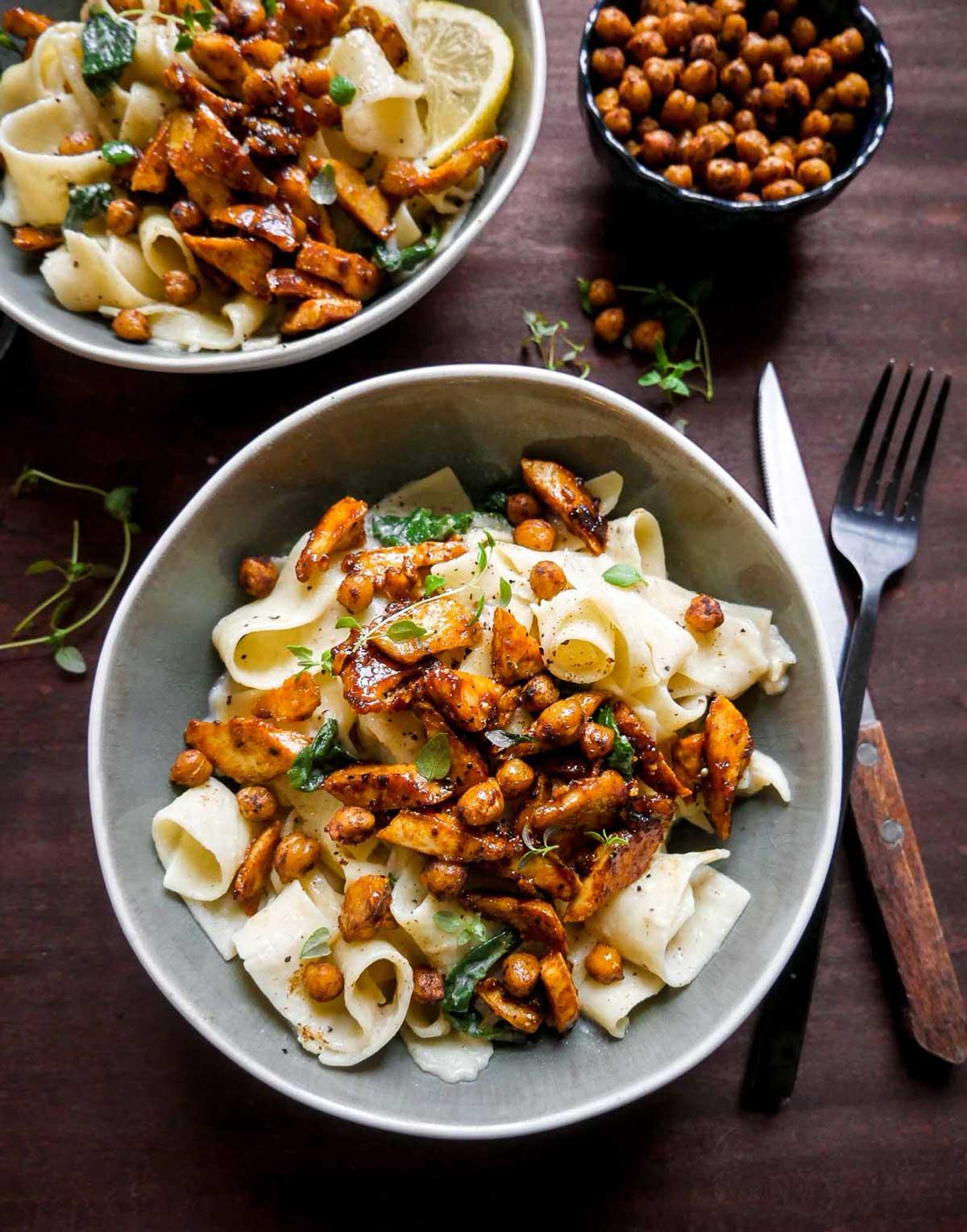protein pasta med stegt tofu og kikærter micadeli