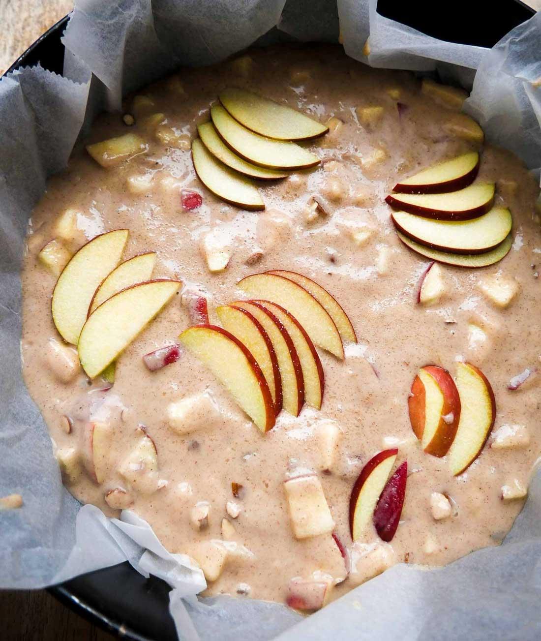 nem kage med æbler til efterår og vinter
