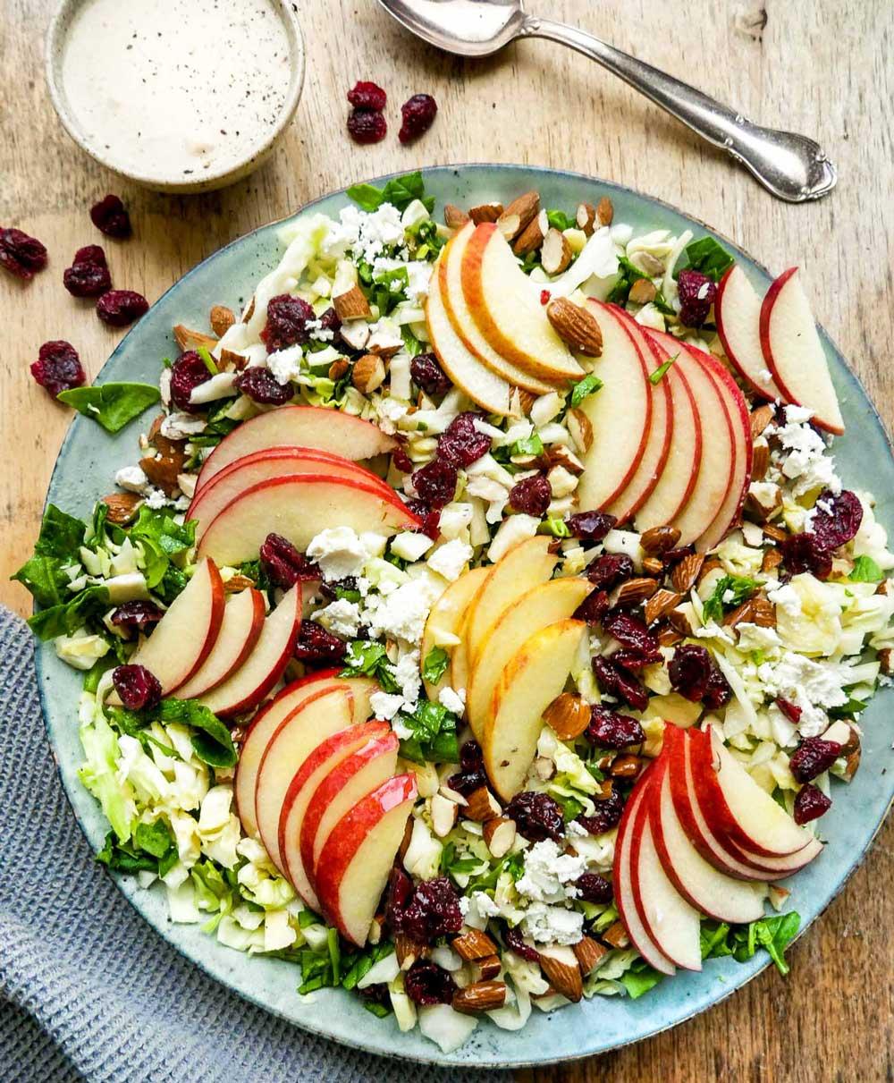 æblesalat opskrift med æbler og spidskål