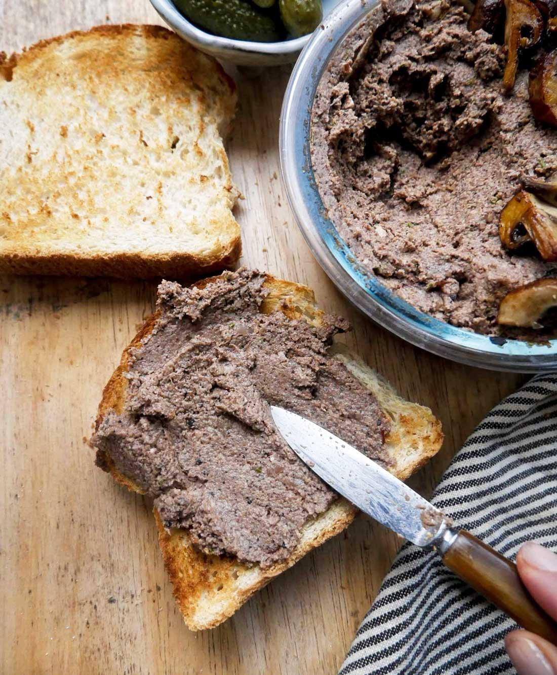 leverpostej uden kød til vegetar eller vegansk frokost