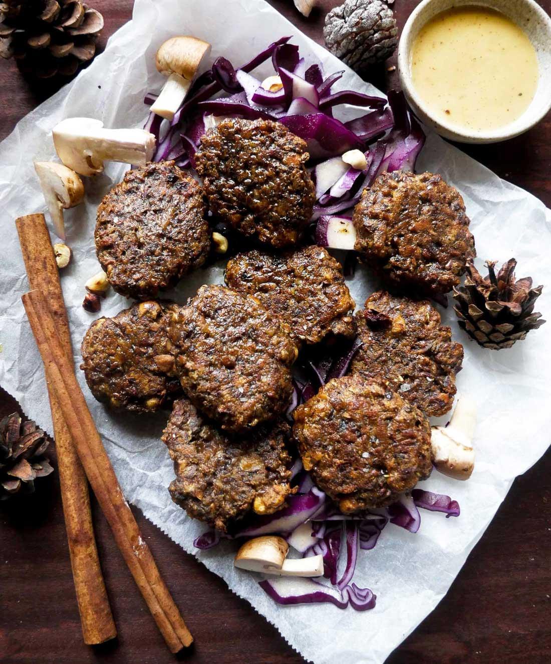 julefrikadeller med svampe og nødder vegansk opskrift
