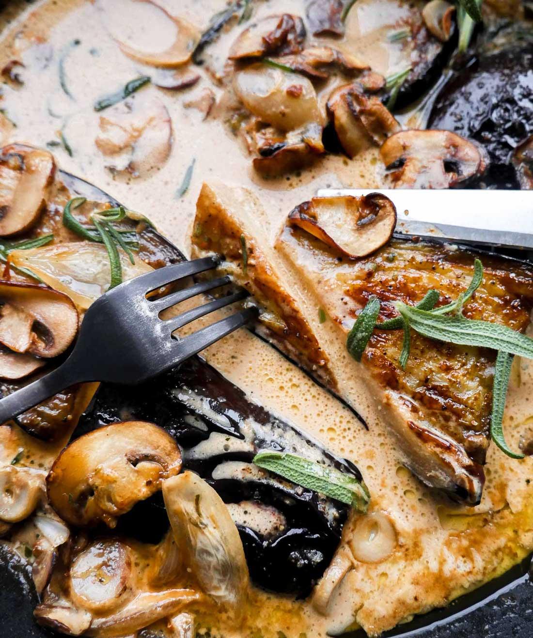 aubergine steaks med svampe