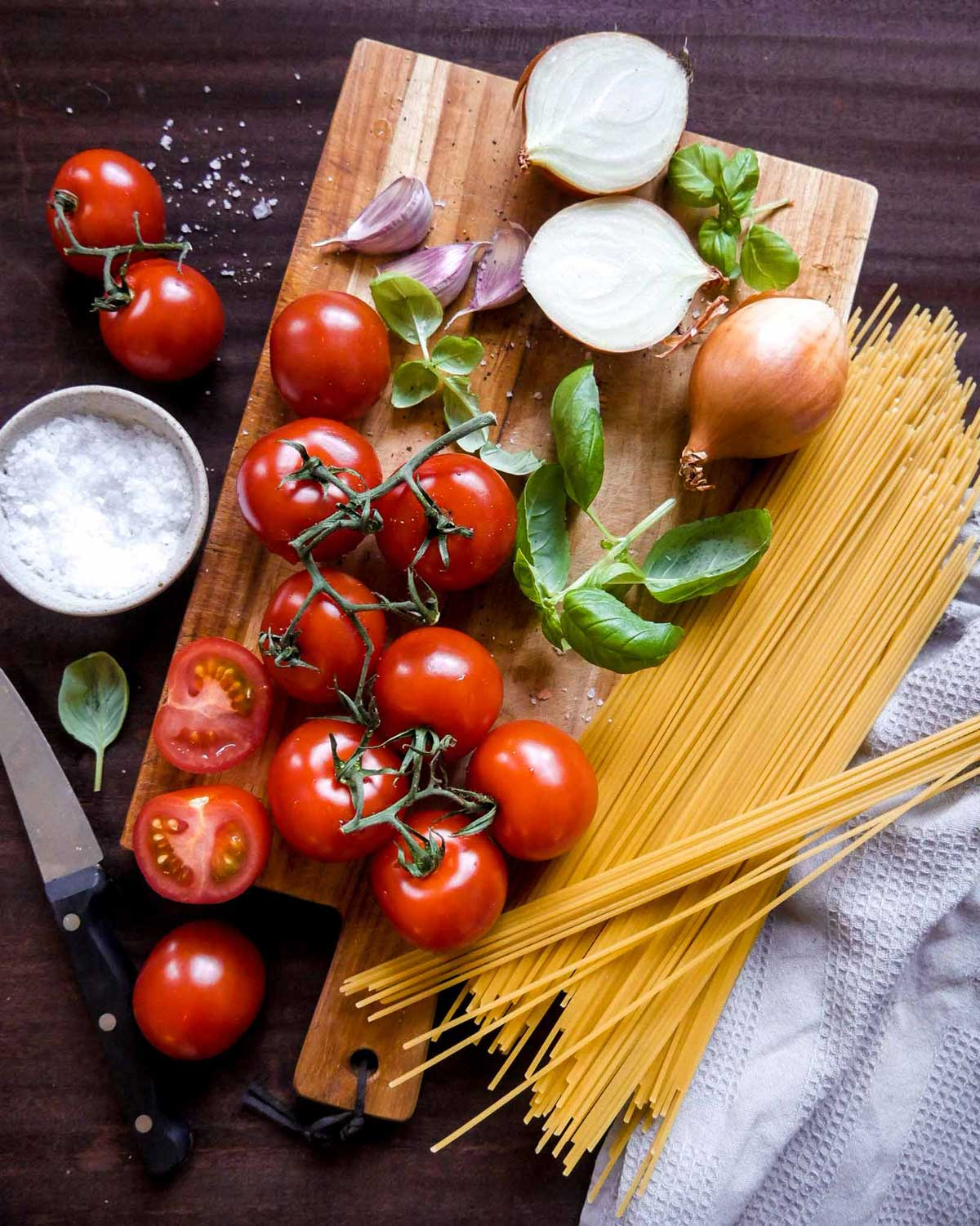 ingredienser til one pot spaghetti opskrift med tomater