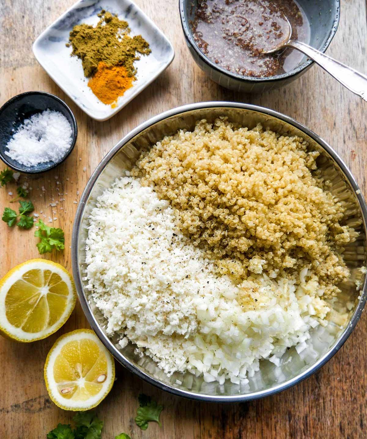 blomkålsris og quinoa og krydderier