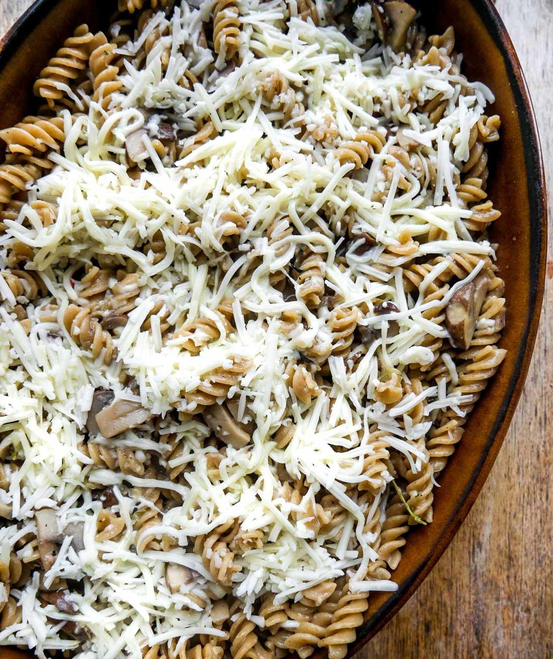 ovnbagt pasta med vegansk smelte ost