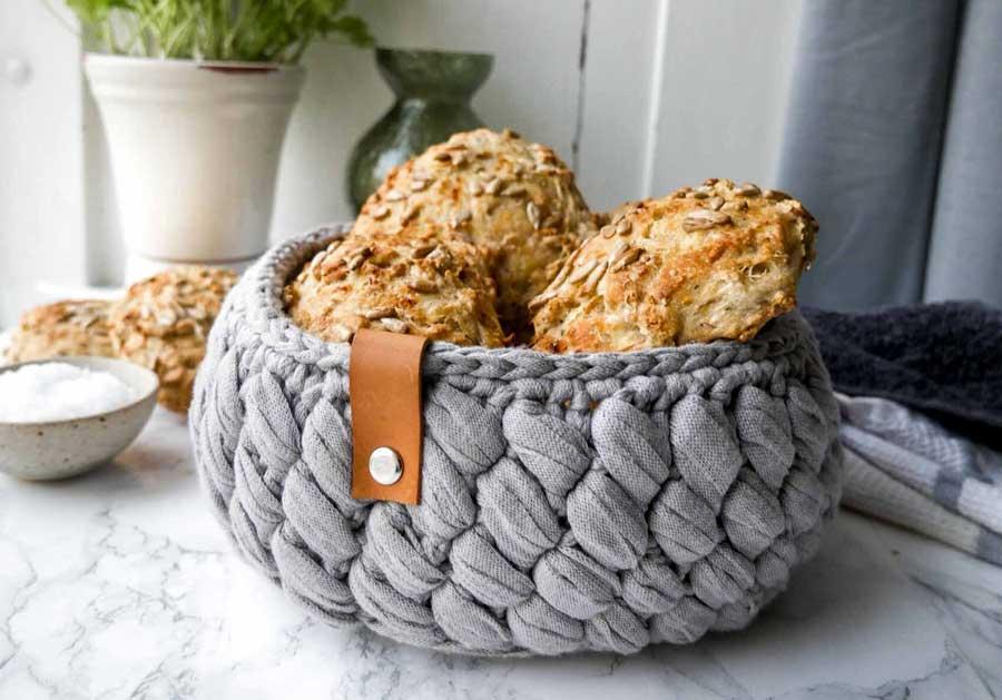 hæklet brødkurv gratis opskrift med ribbon garn