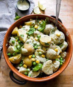 kartoffelsalat med pesto og dressing