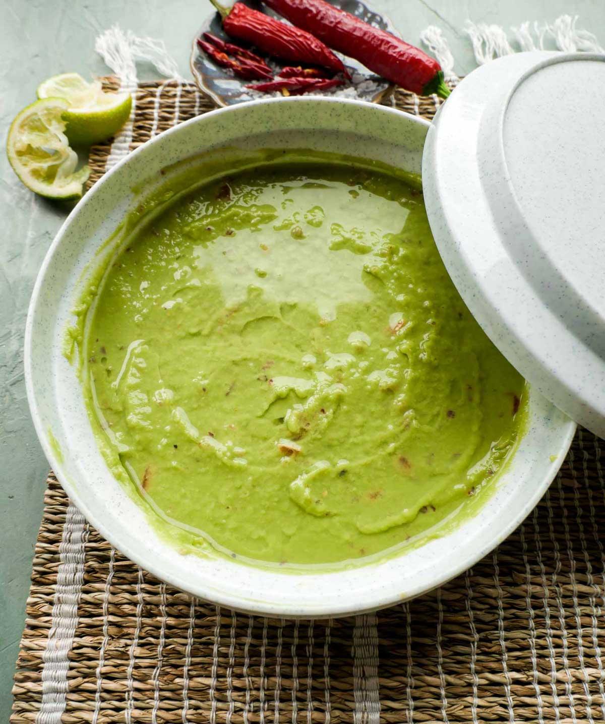 sådan holder du guacamole frisk og grøn i flere dage
