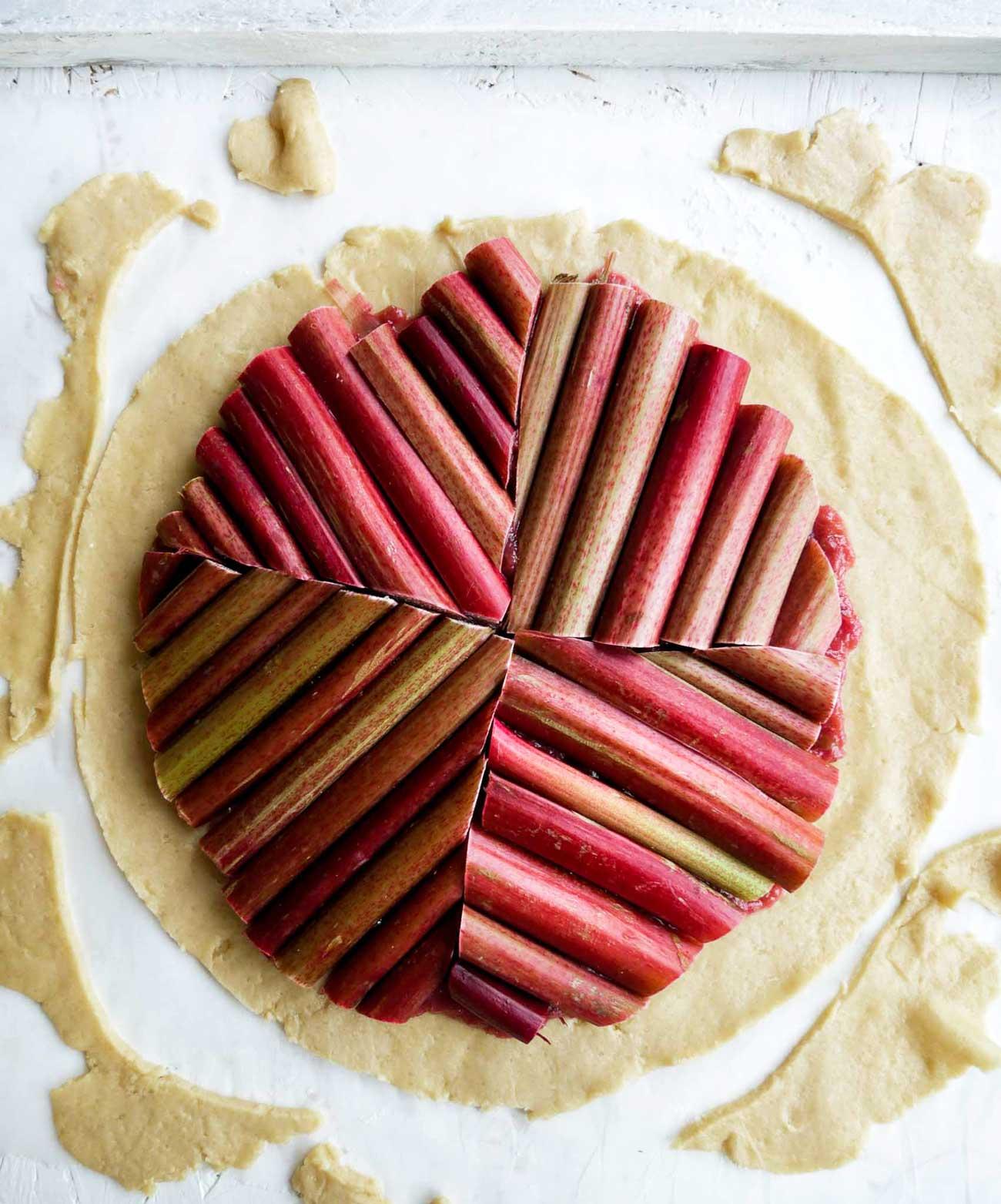 rabarber på tærte af mørdej