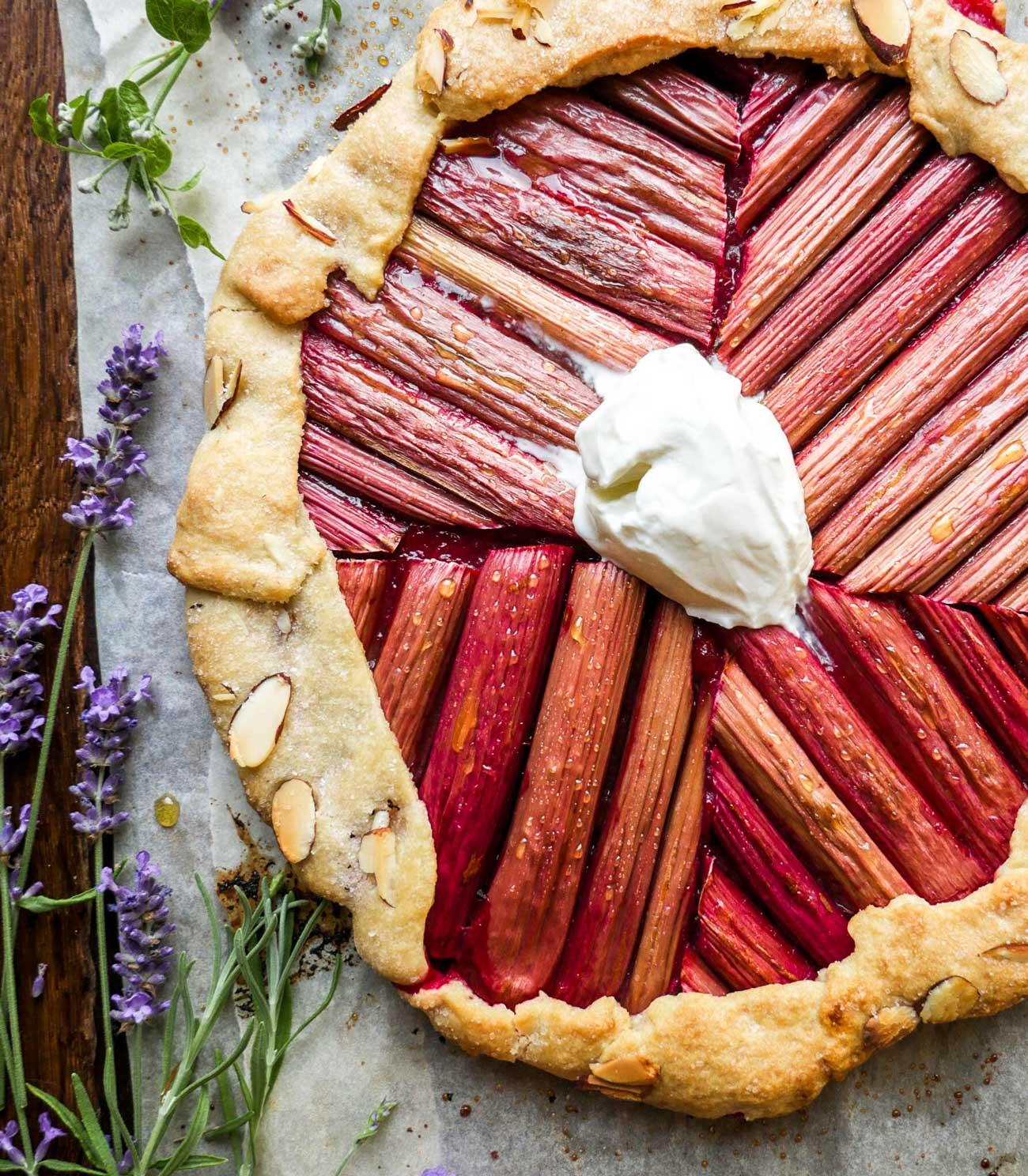 rabarber tærte opskrift på rabarberkage micadeli